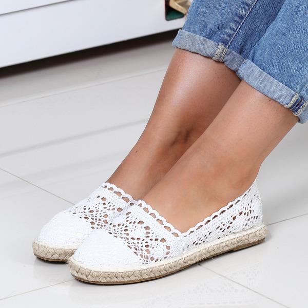 Niebiesko białe sneakersy na platformie Obuwie