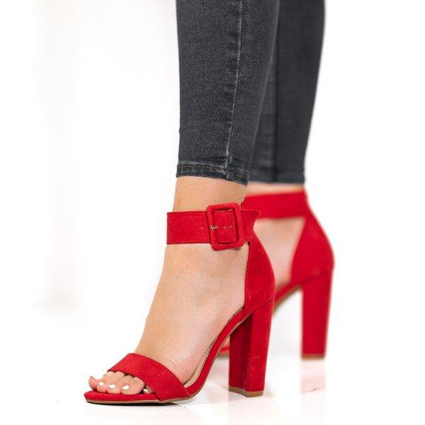 5ad285f87f9a4 Czerwone sandały na słupku z zapięciem Katie - Obuwie - Czerwony ...