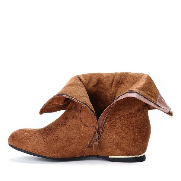 05bb10a3 ... Zamszowe botki na krytym koturnie w kolorze camel Lovely- Obuwie  Kliknij, aby powiększyć ...