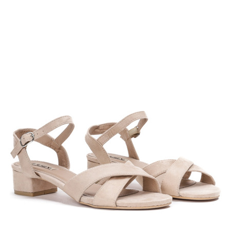 Beżowe sandały na niskim słupku Sana - Obuwie