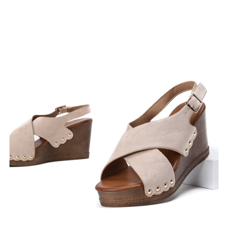 Beżowe sandały na wysokiej koturnie Vaia - Obuwie