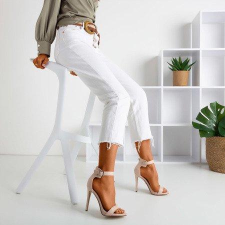 Beżowe sandały na wyższej szpilce Suella - Obuwie
