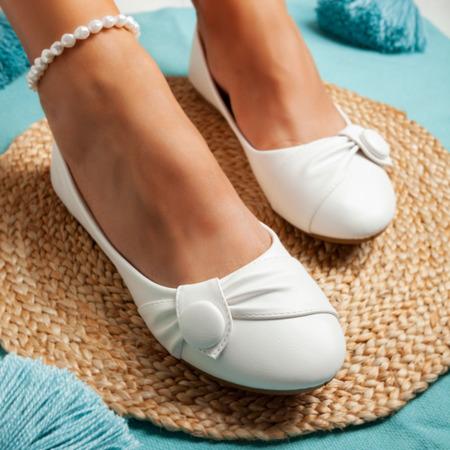Białe baleriny z ozdobą Aero - Obuwie