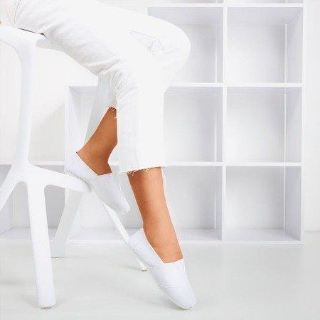 Białe damskie tenisówki slip-on Slavarina - Obuwie