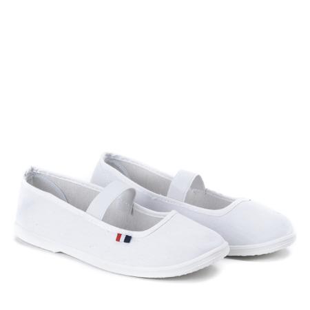 Białe slip - on Alinea - Obuwie