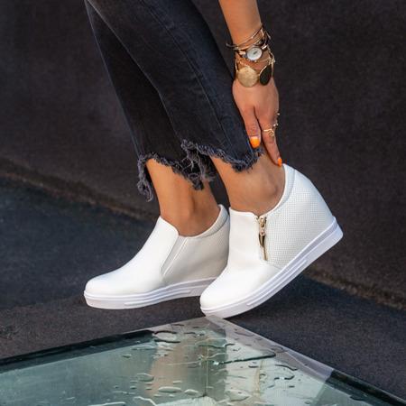 Białe sneakersy na krytym koturnie Evita - Obuwie