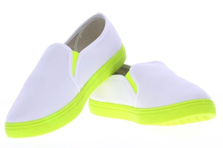 Biało-neonowe trampki slip on Borutta - Obuwie