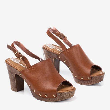 Brązowe sandały na wyższym słupku Madella - Obuwie