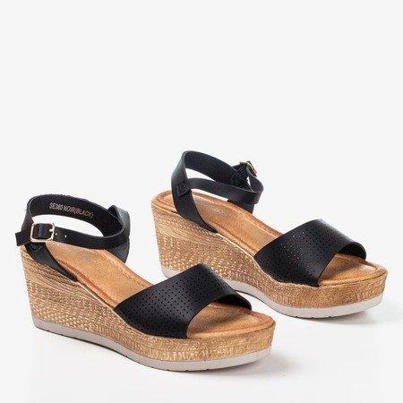 Czarne ażurowe sandały na koturnie Amandina - Obuwie