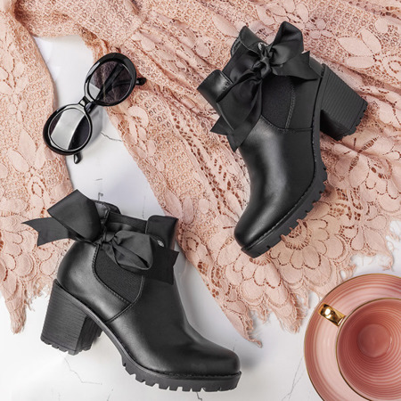 Czarne botki na słupku Lercara - Obuwie