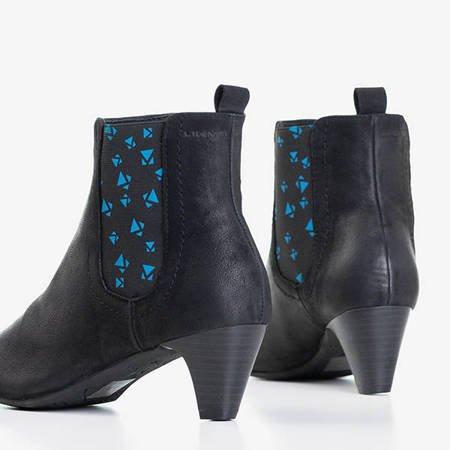 Czarne damskie botki na słupku z geometrycznymi wzorkami Alynca - Obuwie