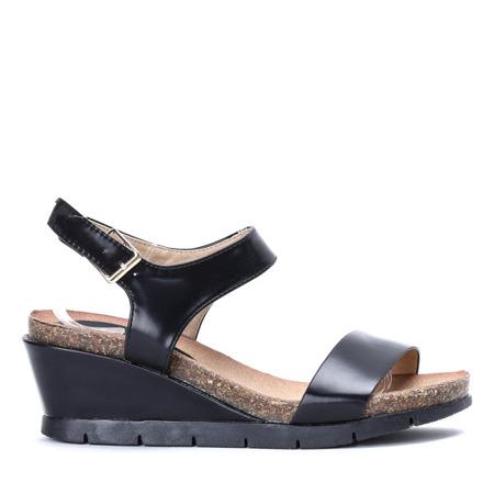 Czarne sandały na niskiej koturnie Satia - Obuwie