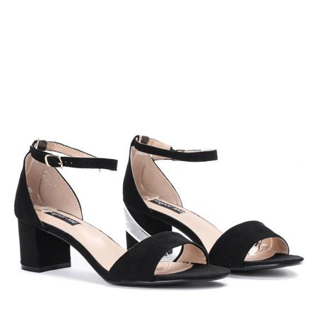 Czarne sandały na słupku Manisa - Obuwie