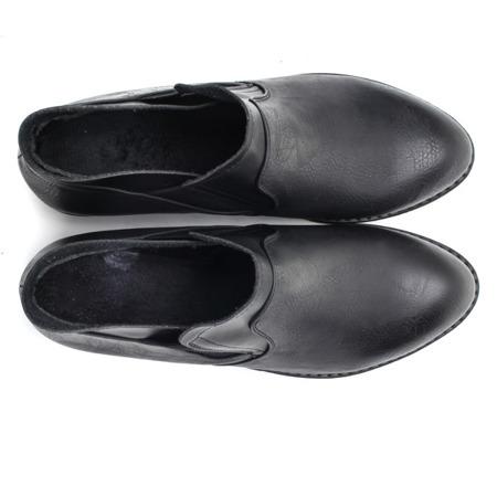 Czarne, skórzane botki - Obuwie