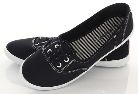 Czarne tenisówki typu slip on Tinae - Obuwie