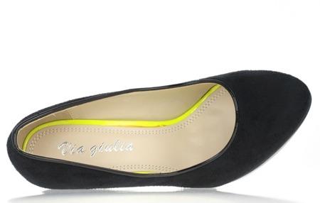 Czarne, zamszowe czółenka - Obuwie