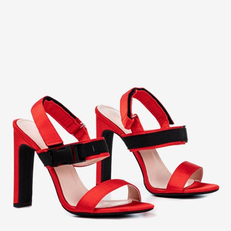 Czerwone sandały na słupku z rzepą Spolisa - Obuwie