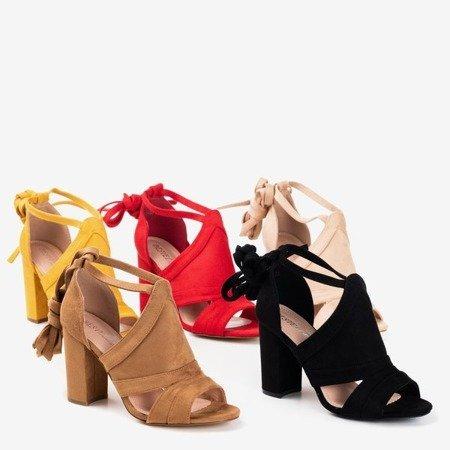 Czerwone sandały na wyższym słupku z cholewką Lastina - Obuwie