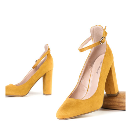 Czółenka na wysokim słupku w kolorze żółtym Briella - Obuwie
