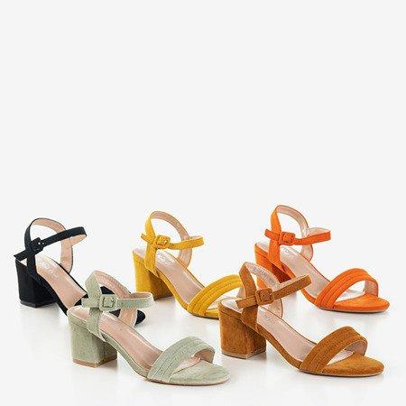 Musztardowe sandały damskie na niskim słupku Niusty - Obuwie