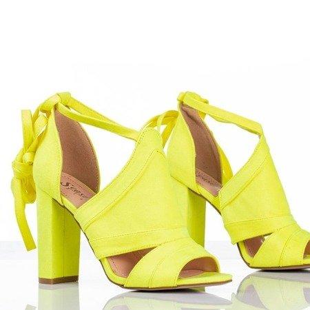 Neonowe żółte sandały na wyższym słupku z cholewką Lanaline - Obuwie