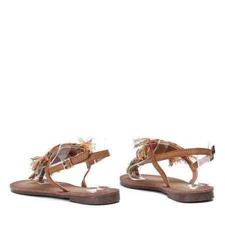 OUTLET Brązowe sandały z ozdobnymi koralikami Itelija - Obuwie