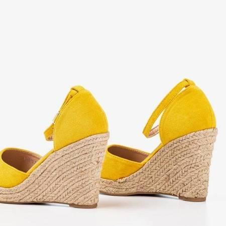 OUTLET Żółte espadryle na koturnie Bonita - Obuwie