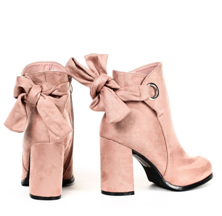 Różowe botki na słupku - Obuwie