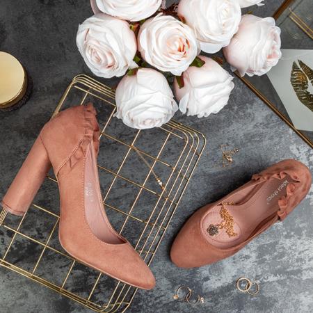 Różowe czółenka z falbanką Andressa - Obuwie