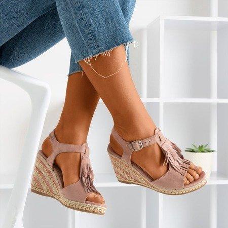 Różowe sandały damskie z frędzlami Odina - Obuwie
