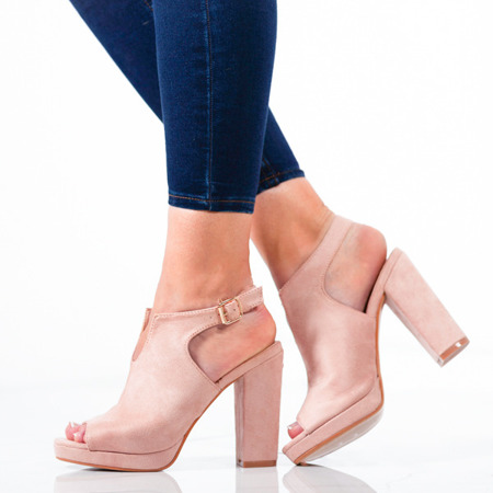 Różowe sandały z cholewką na słupku Benetta - Obuwie