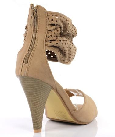 Sandały z ażurową cholewką- kolor camel - Obuwie