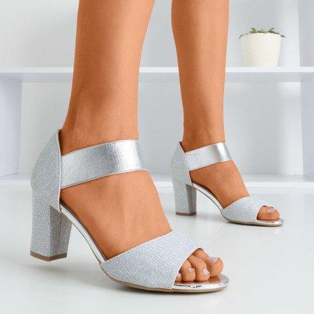 Srebrne damskie sandały na wyższym słupku Megsa - Obuwie