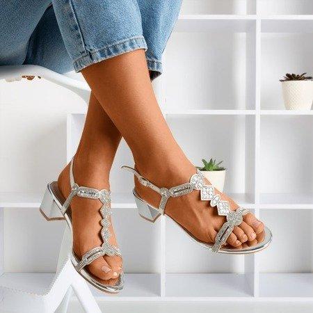 Srebrne sandały na niskim słupku z cyrkoniami Doremia - Obuwie