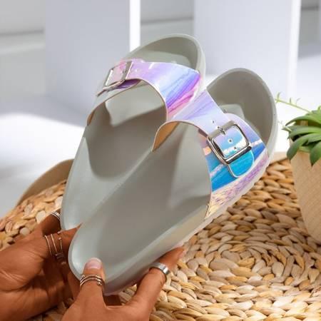 Szare klapki z holograficznym wykończeniem Sabia - Obuwie