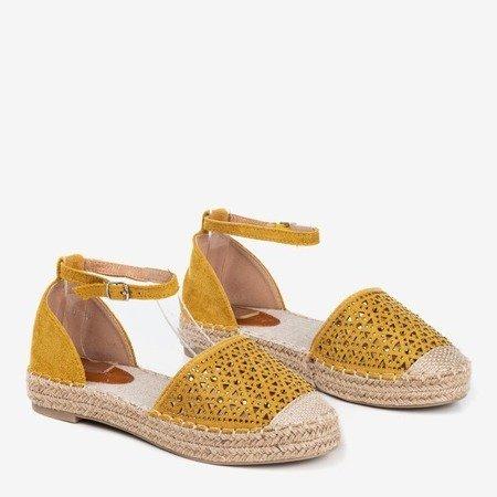 Żółte espadryle damskie z ażurowym zdobieniem Clia - Obuwie
