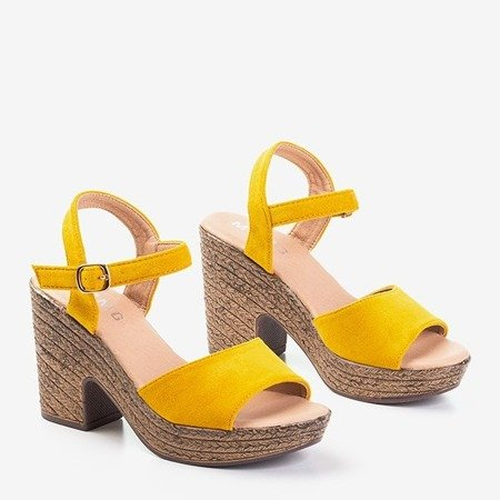 Żółte sandały damskie na słupku Awilia - Obuwie