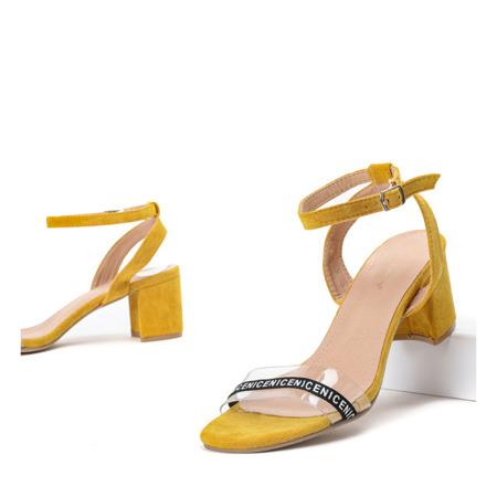 Żółte sandały na słupku z przezroczystą wstawką Angelita - Obuwie